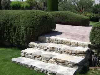 Création d'escalier en pierre dans les Alpes-Maritimes - Exo Jardins