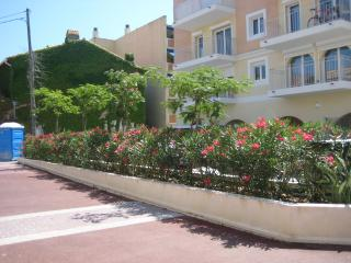 Mise en place d'un enrobé rouge - Alpes Maritimes et Var -Exo Jardins