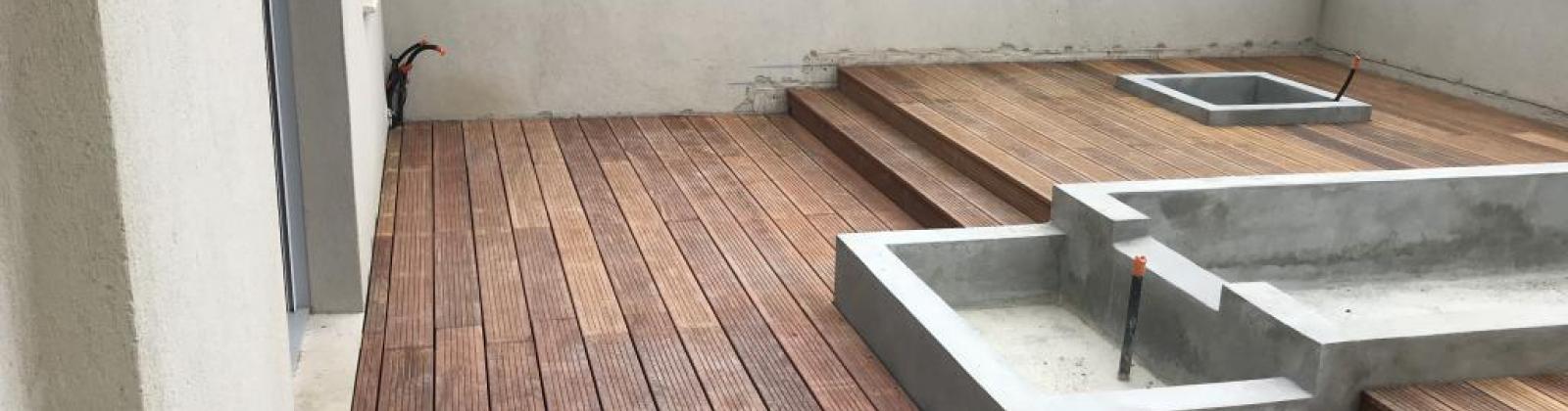 Comment construire une terrasse en bois dans son jardin ?