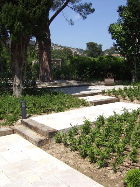 Ma onnerie de jardin cannes 06 frejus antibes for Entretien jardin frejus