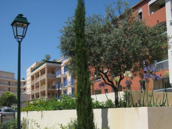 Floor lamp - Exterior lighting - condominiums Nice Cannes 06 - Exo Jardins
