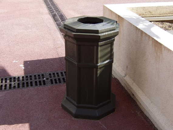 Installation of iron bins for the municipality of the Alpes Maritimes (06)