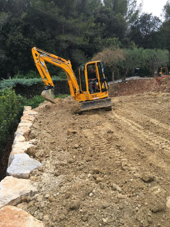 Terrassement - enrochement paysager - Exo Jardin - Cannes Antibes Frejus Saint Raphaël