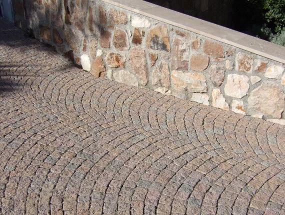 Creation d'allee en paves pour communes jardin prive et parc - Exo Jardins